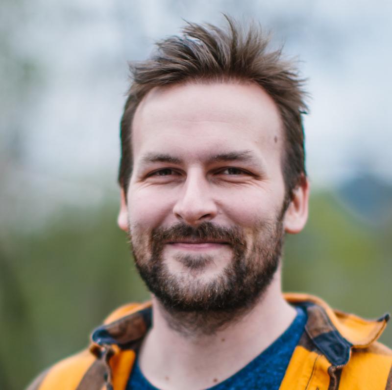 Johann er utdannet i multimediateknologi og design ved Universitetet i Agder. Han er nå lærer ved Tegneserier og illustrasjon hos oss.