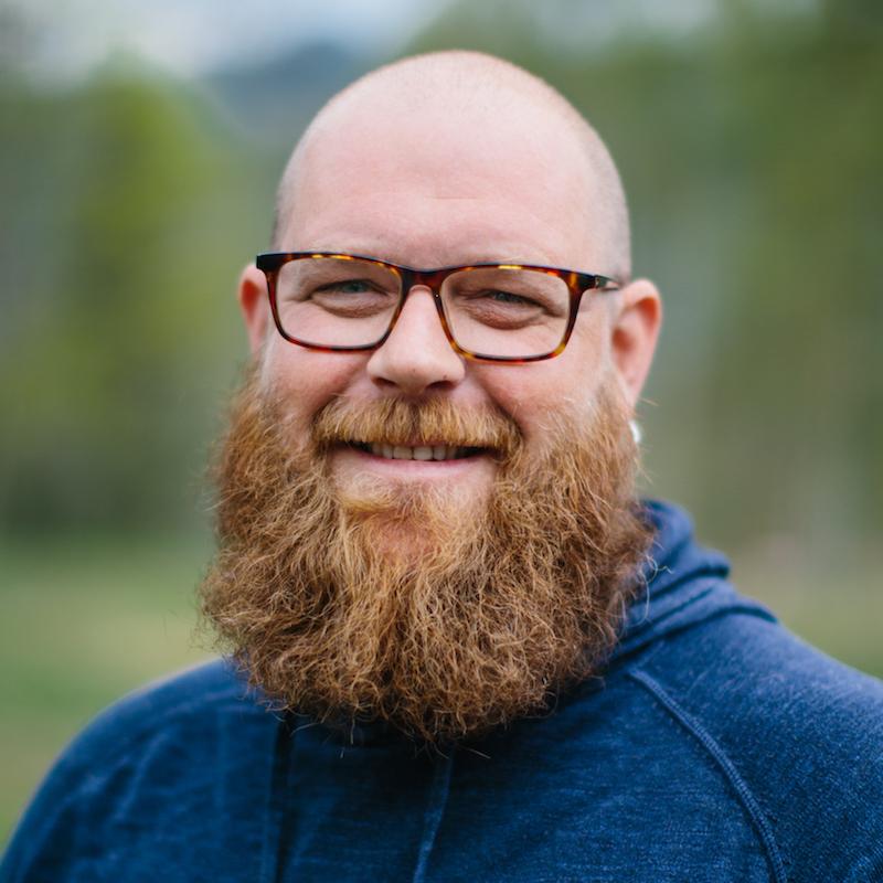 Audun Haukvik jobber som valgfagslærer vokal & friluftsliv
